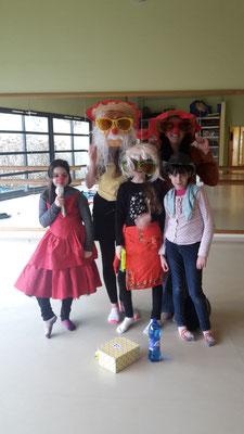 Clown Parents enfants, ateliers clown, rire, animation jeunesse, normandie, eure, Huguette Lucie