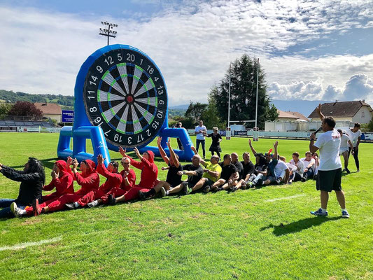 Olympiades team building Annecy avec jeux gonflables