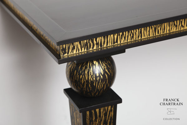FLAME CONSOLE Bronze, gold leaf
