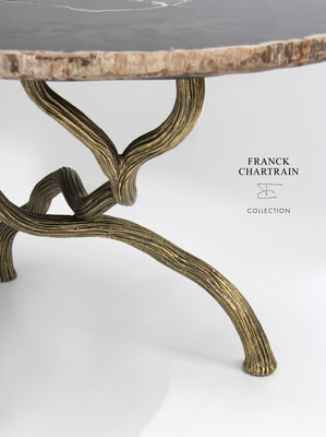 TABLE MAGNOLIA Branches d'acier texturées et cirées, bois silicifié