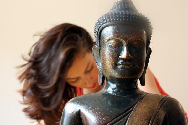 Katja Bienzeisler mit Buddha 2