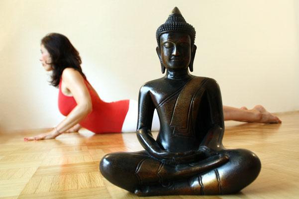 Katja Bienzeisler mit Buddha 1