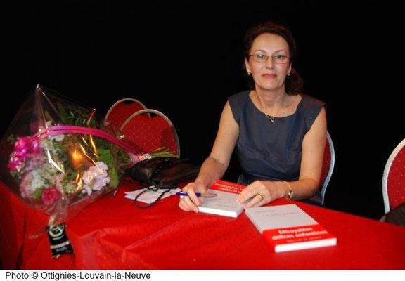 Christina Mirjol lors de la remise du prix Renaissance de la nouvelle 2012 à Louvain la Neuve