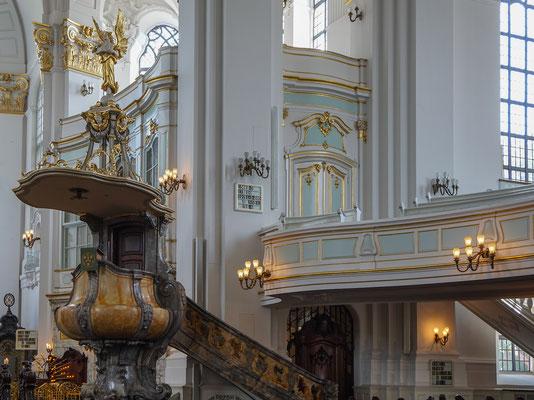 Kanzel /Innenraum von St. Michaelis