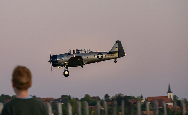 Die bullige USAAF Maschine kurz vor der Landung