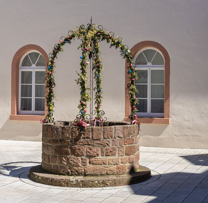 Brunnen im Klosterhof, Tauberbischofsheim, TBB