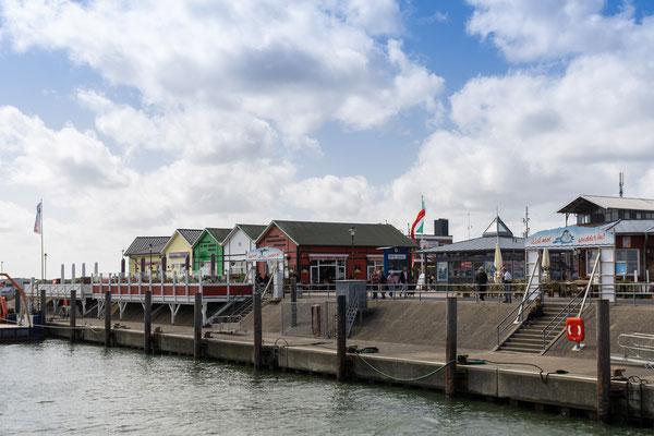 Das Hafenbecken von List