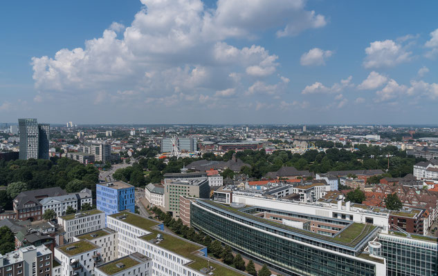 Blick von der Aussichtsplattform über Hamburg