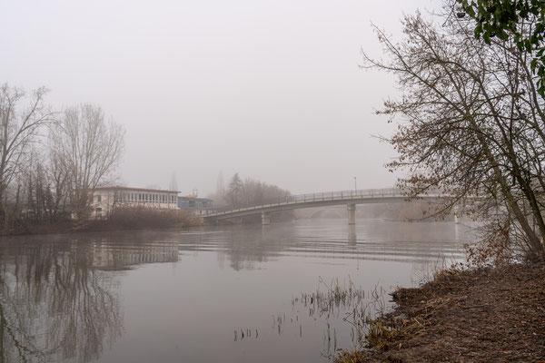 Brücke zur Mondinsel (Freibadgelände)