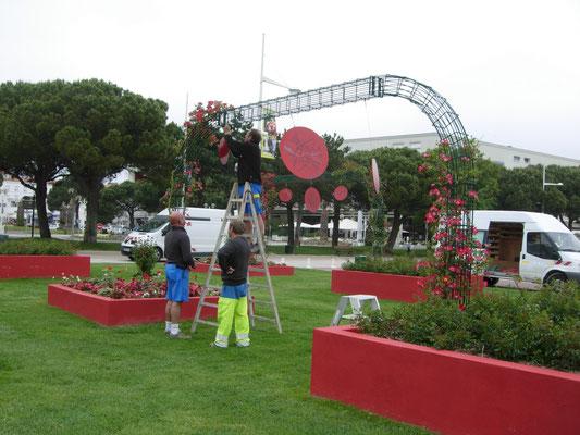 2012 - participation à l'ART dans la ville de ROYAN 15 disques recto-verso représentant les 30 communes de l'agglomération et ....
