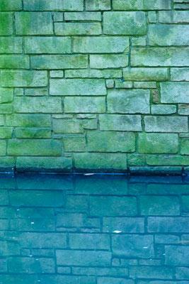 Struktur / Spiegelung / Wasser