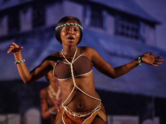 Ngwao Letshwao Performing Arts (Botswana) - FOLKOLOR 2017 - Photo Michel Renard