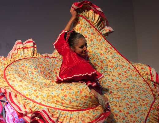 Compañia Mexicana de Danza Folklorica (Mexique) - FOLKOLOR 2016 - Photo Philippe Mourembles