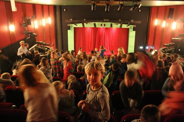 Theaterbesuch - Junges Theater Bonn - Räuber Hotzenplotz 2018