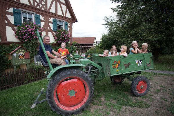 Unsere beliebte Traktorfahrt mit Bauer Bernd.