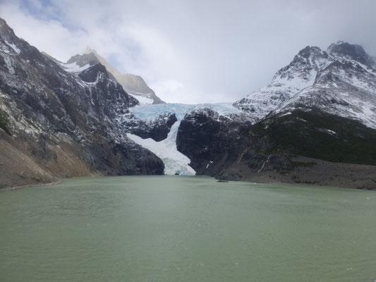 Los Perros - Gletscher auf dem Weg Richtung Pass