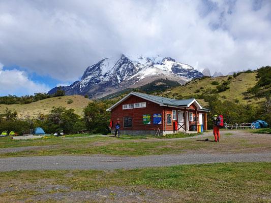 """Tag 3: Camping Torres Central und Einstieg zum """"O"""" (circuito grande)"""