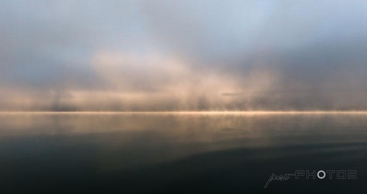 Nebelstimmung am Wörthsee (Nebelwand lichtet sich)