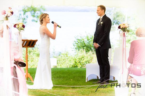 Hochzeit [ Trauungzeremonie | Braut singt für Bräutigam | Seerestaurant Marina, Bernried, Starnberger See ]