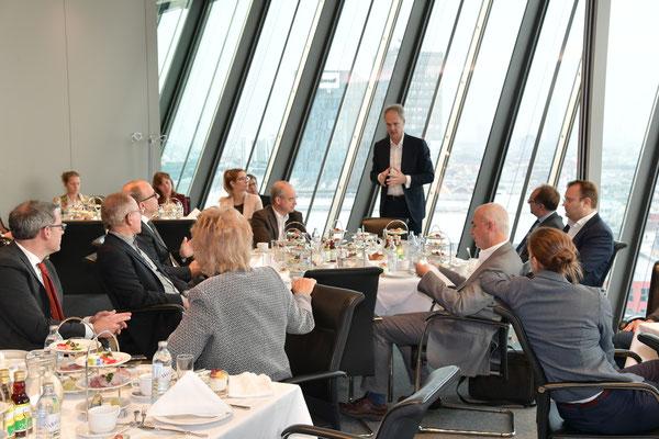 Impulsvortrag von Mag. Martin Grüll, Finanzvorstand Raiffeisen Bank International AG