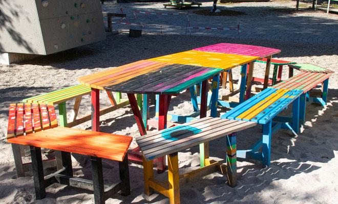 Foto: Aktivspielplatz Günther-Klotz-Anlage; Möbel wurden vom Spendenempfänger selbst gestaltet