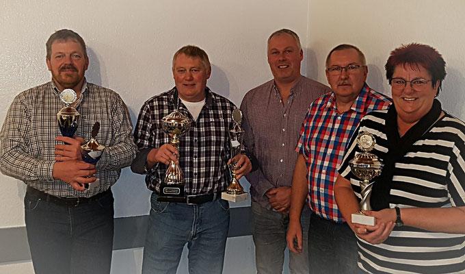 Unsere Vereinsmeister 2019 von links: Thomas Schmidt, Joachim Reinke, LV-Vorsitzender Michael Lüthje-Dohrendorf, Hans-Werner Pott  Vorsitzender und Ilona Pott