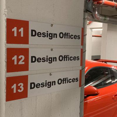 PACON REAL ESTATE, Parkplatzschilder für Bürogebäude in Frankfurt