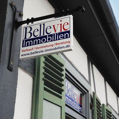 BELLEVIE IMMOBILIEN, Firmenschild