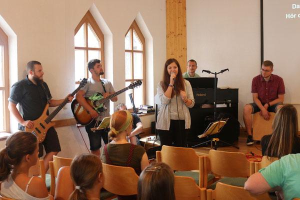Eröffnung mit Musik
