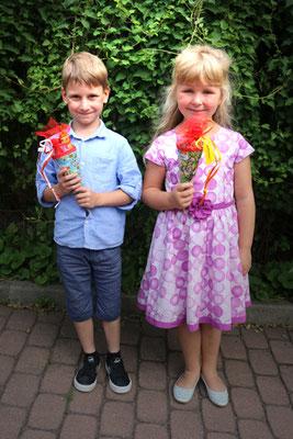 Unsere glücklichen Schulanfänger Elijah und Laura