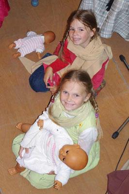 """Aufführung des """"Evangelimanns"""" in der Kirche Rudelswalde Salome und Abigail"""