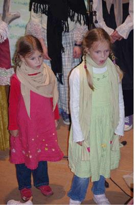 """Aufführung des """"Evangelimanns"""" in der Kirche Rudelswalde - Salome und Abigail"""