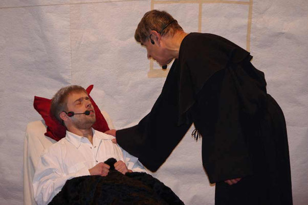 """Aufführung des """"Evangelimanns"""" in der Kirche Rudelswalde - Ruben und Dieter"""