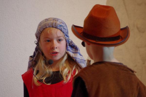 Maria (Emmelie) und Josef (Simon)