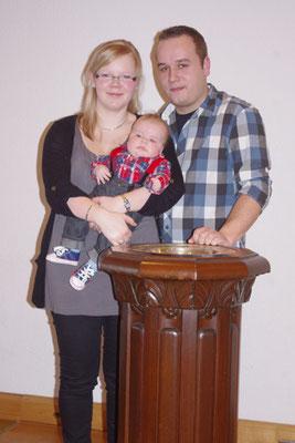 Richard mit seinen Eltern Anne und Andreas
