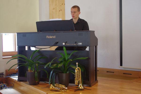 Liedbegleitung durch Gerd ...