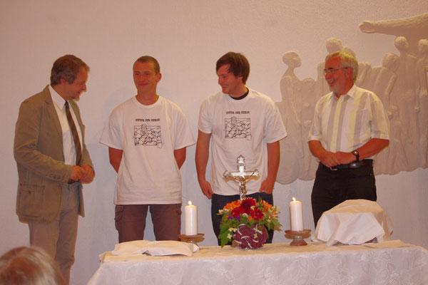 Bernd - unsere beiden neuen Jugendleiter Gerd und Daniel - Gemeinschaftsleiter Jochen