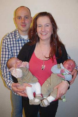 Sebastian und Kerstin mit Luca und Leona