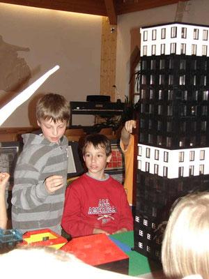 LEGO-ZEIT - Hans und Noah
