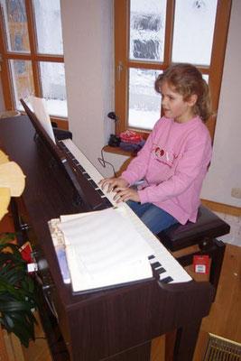 """2. Advent 2012 - Margarete am Klavier mit """"Alle Jahre wieder"""""""