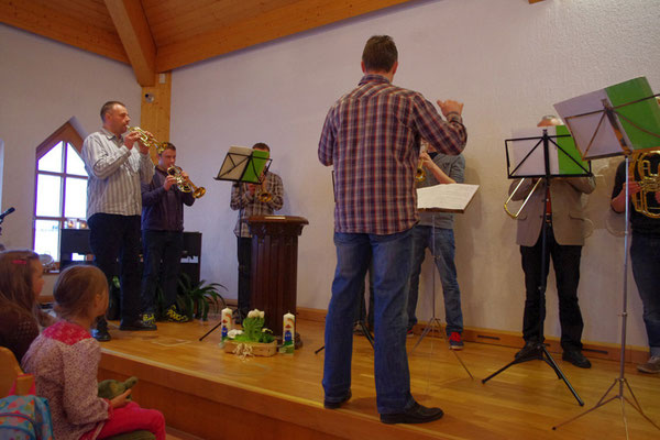 Begrüßung durch den Posaunenchor