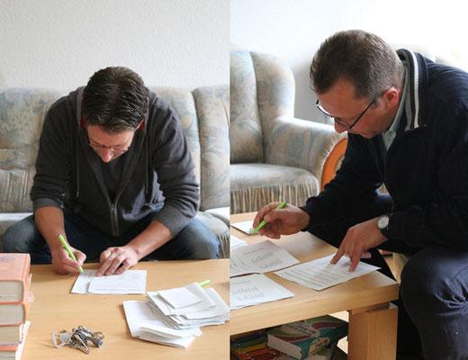 """... währenddessen Auszählung der Stimmen durch unseren """"Wahlvorstand"""" Frank und Jörg"""