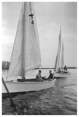op De Kaag , oefenen en daarna op sleep, begin 1940