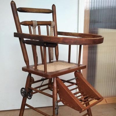 Chaise haute cannée © Marlène Vidal