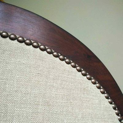 Noyer teinté au brou de noix ciré © Marlène Vidal