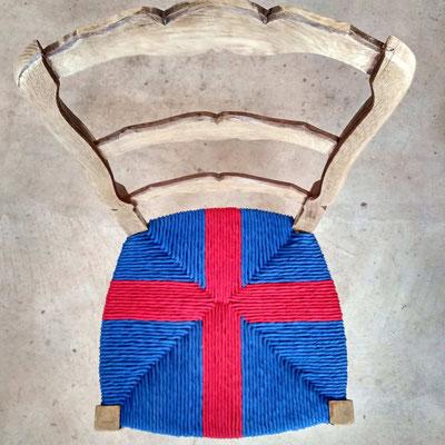 Chaise rentissée bicolore © Marlène Vidal