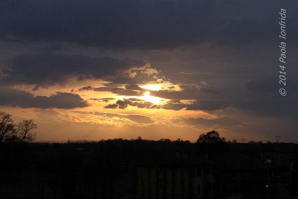 Tramonto fra le nubi