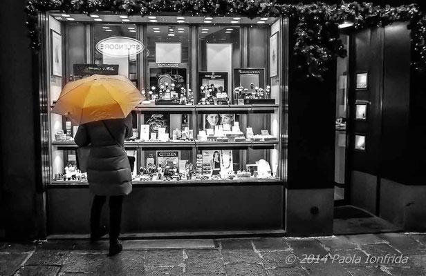 L'ombrello e la vetrina