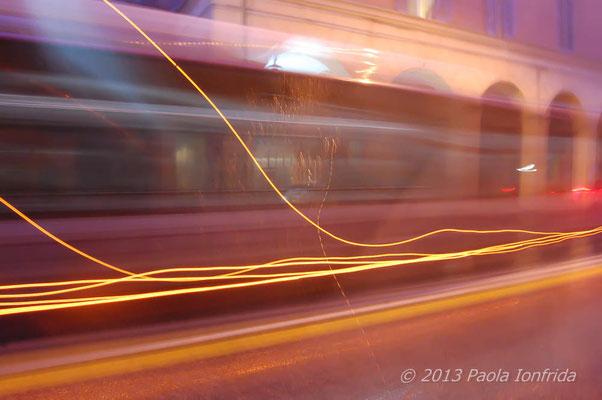 Autobus in corsa o fantasma?