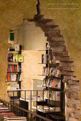 Particolare della Libreria all'Arco - Reggio Emilia